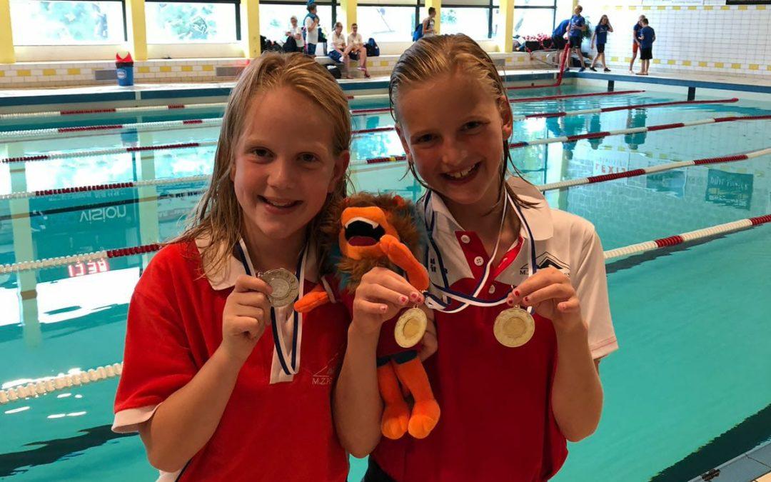 Nieuwe wedstrijdseizoen zwemmers weer van start (met een lach en een traan)